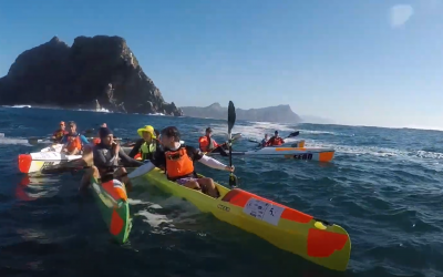 PADDLING AROUND THE PICTURESQUE CAPE POINT